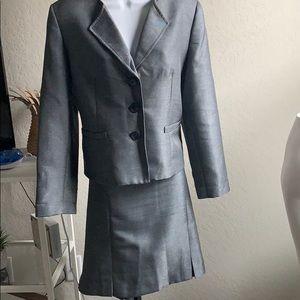 Kasper gray skirt suit